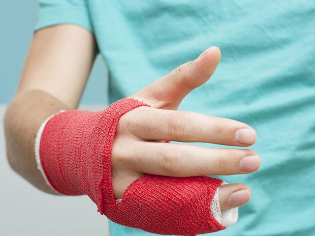 Как определить вывих руки и что нужно делать в первую очередь