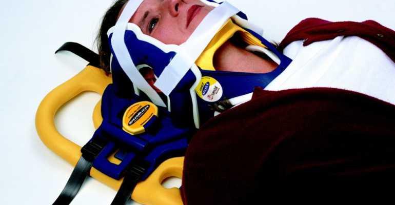 Транспортировка пострадавшего с переломом позвоночника осуществляется