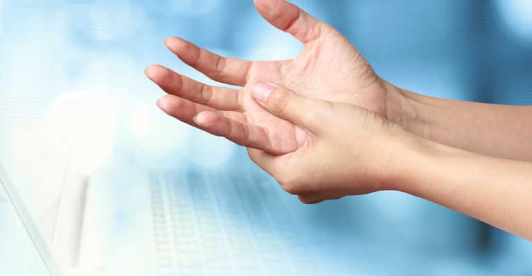 Как правильно разработать пальцы на руке после перелома. Как разрабатывать палец после перелома — советы и упражнения