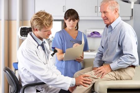 Каких размеров должна быть киста Бейкера коленного сустава размеры, чтобы делать операцию