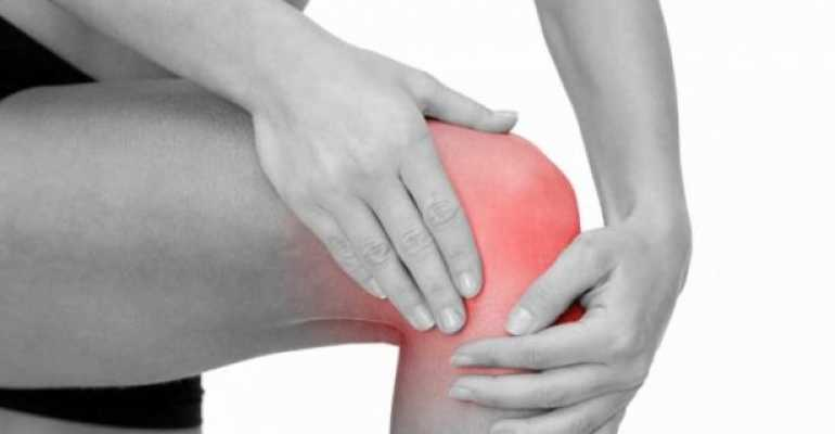 Боль в колене с внешней стороны сбоку — причины, методы лечения – лечение