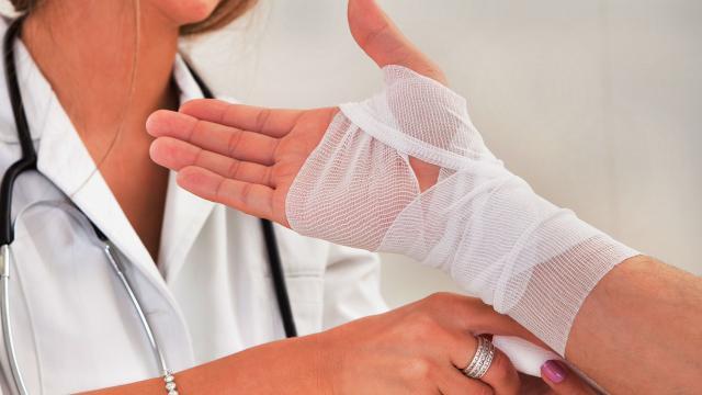 Самые эффективные и простые средства народной медицины для лечения гигромы