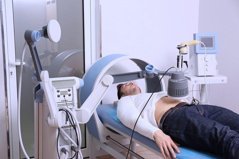 Все о показаниях и противопоказаниях магнитотерапии при остеохондрозе