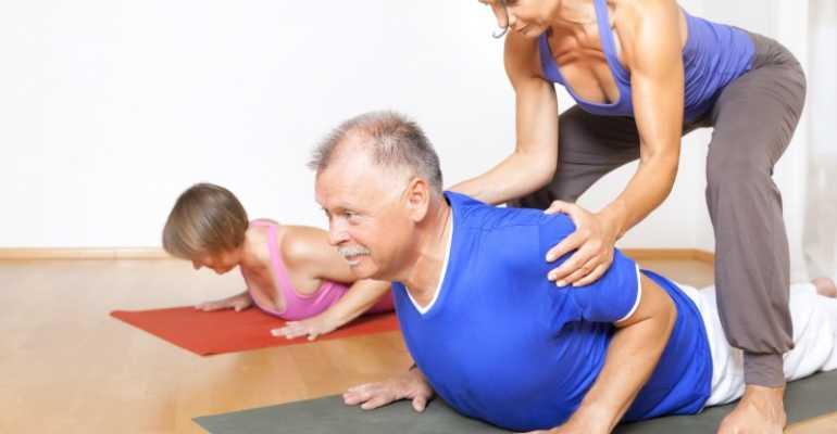 Чем способны помочь при сколиозе упражнения йоги