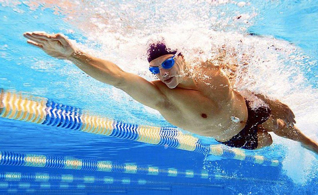 Как правильно плавать в бассейне с пользой для позвоночника