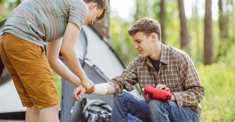 Шины при переломах: виды и правила наложения