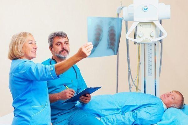 Методики лечения перелома ребер в домашних условиях