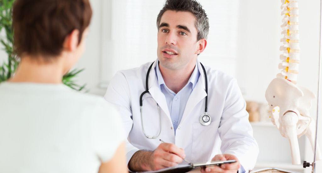 Причины возникновения боли в животе при остеохондрозе